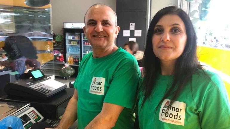 Amer en Houda Yatim openen winkel in Emmen